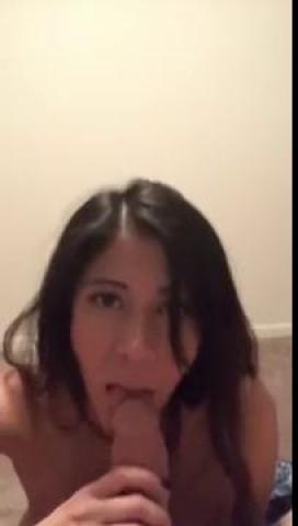 Пара турков сняла частный секс на телефон